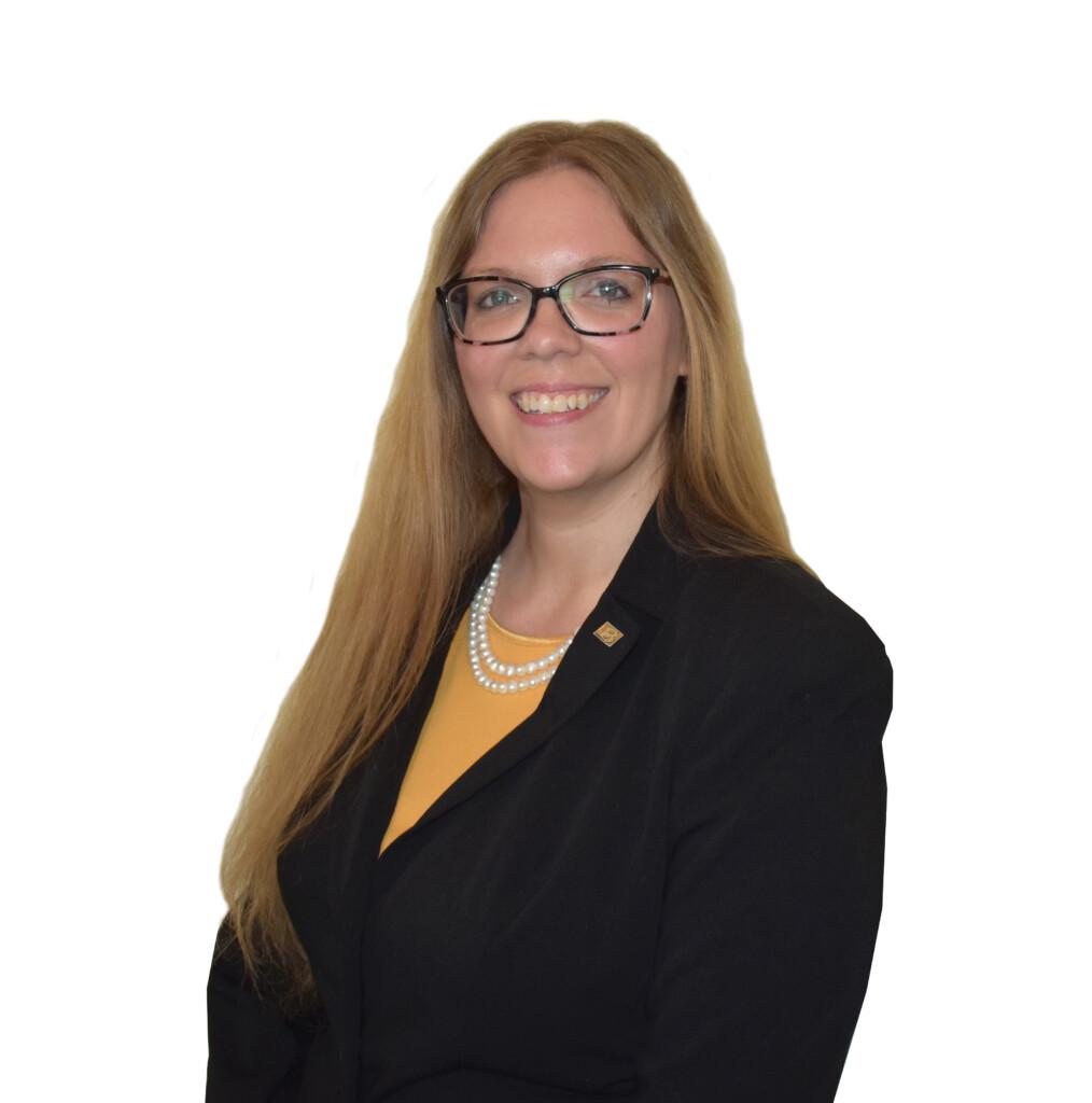 Brittany Neunuebel : Family Service Director