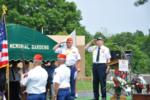 memorial service - bob reed saluting 2